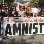 Migliaia di persone sfilano ad Ajaccio per chiedere l'amnistia per i 22 detenuti nazionalisti