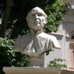 Inaugurata a Bastia una piazza in onore del medico Tommaso Prelà, zio di Viale