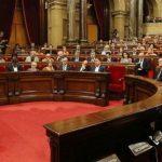 Catalogna: Puigdemont dichiara l'indipendenza ma ne sospende gli effetti per poter trattare