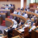 L'Assemblea approva la creazione di una commissione per l'accoglienza ai migranti