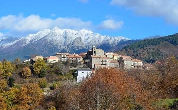 Il Presidente della Repubblica Macron annulla la sua visita in Corsica