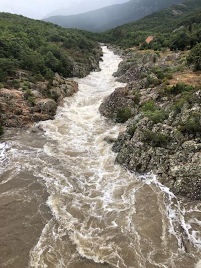 Il torrente Fango si scatena: 90 campeggiatori messi in sicurezza a Galeria