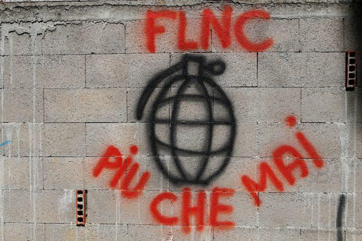 Scoperti volantini simili a quelli del FLNC: la Procura nazionale antiterrorista apre un'inchiesta