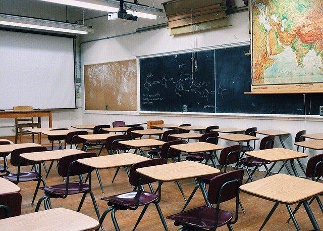 La Collettività della Corsica blocca la riapertura delle scuole e la posticipa a settembre